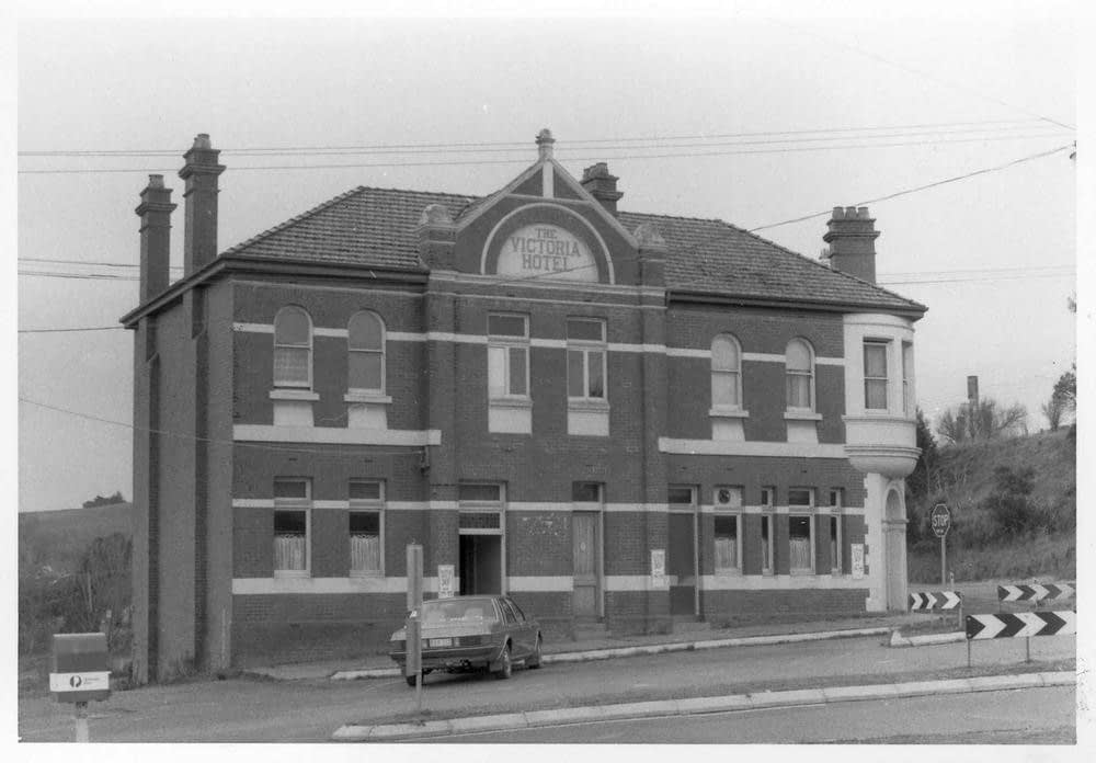 Korumburra Historic image, the Victoria hotel